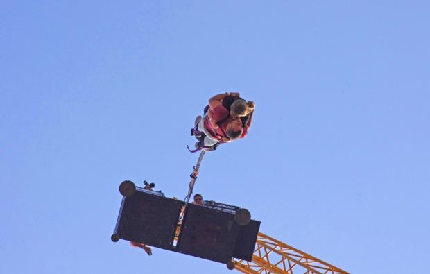 tandem-bungee-jumping-altenkirchen-berlin-essen-hamburg-hennef-olpe-bungeejumping