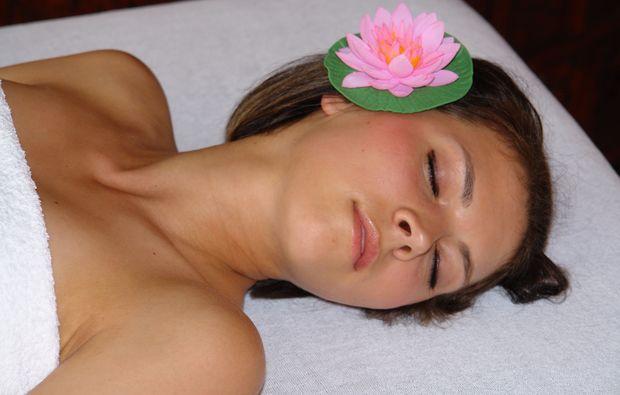 kraeuterstempelmassage-illertissen-auszeit