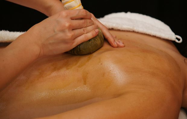 kraeuterstempelmassage-illertissen-massage