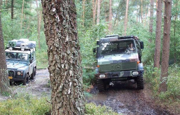 truck-offroad-fahren-fuerstenau-wald