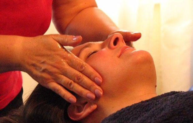 ayurveda-anwendung-wiesbaden-wellness