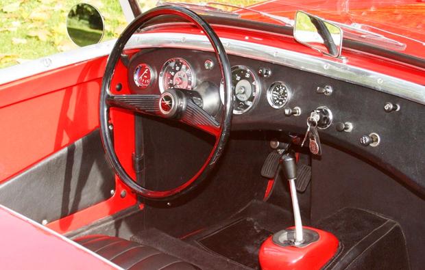 austin-sprite-cockpit