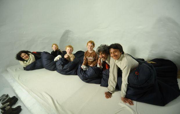 iglu-uebernachtung-zugspitze