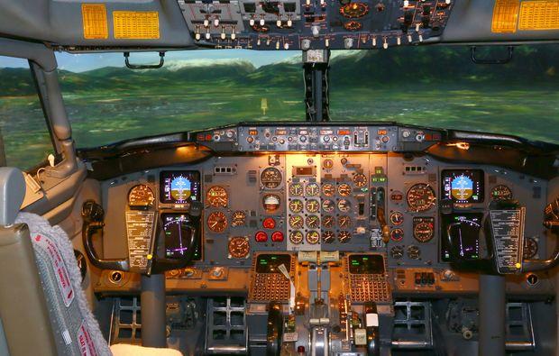 full-flight-simulator-berlin-cockpit