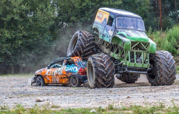 monster-truck-fahren-fuerstenau-erlebnis