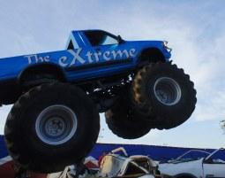 Monster Truck fahren (inkl. PKW überfahren) Monster Truck inkl. PKW crashen - 30 Minuten
