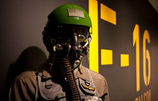 flugsimulator-frankfurt-kampfjet-f16
