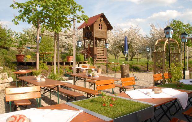 fruehstueckszauber-fuer-zwei-loewenstein-hoesslinsuelz-biergarten
