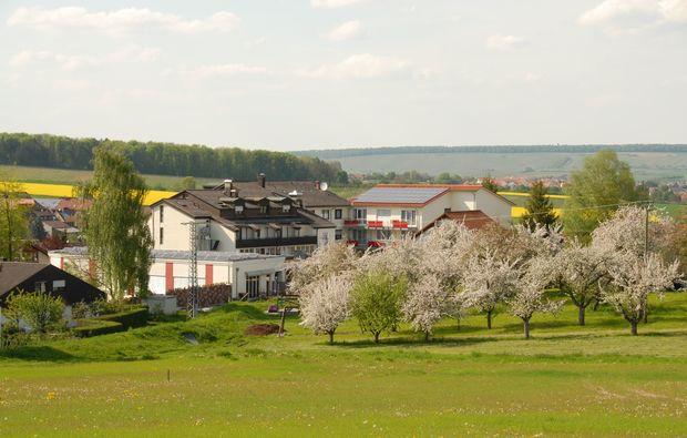 fruehstueckszauber-fuer-zwei-loewenstein-hoesslinsuelz-natur