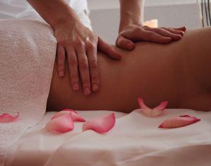 Aromaöl-Massage (60 Minuten)