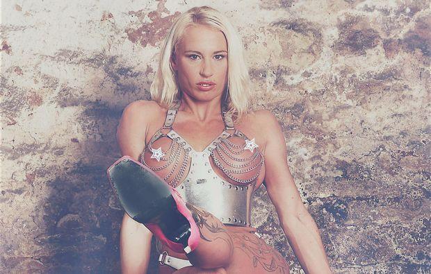 akt-dessous-fotoshooting-waldbronn-reichenbach-superwoman