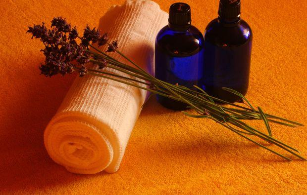ganzkoerpermassage-lage-wellness