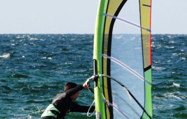 windsurf-schnupperkurs-schubystrand-damp-surfen-lernen