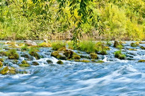 Cetina Fluss Omis Kroatien