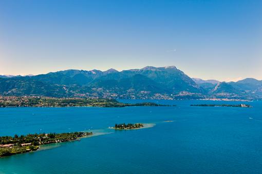 Blick auf San Felice im Süden vom Gardasee