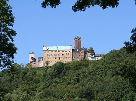 Blick auf die mittelalterliche Wartburg in Eisenach