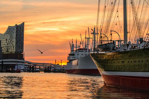 Sonnenuntergang im Hambuger Hafen